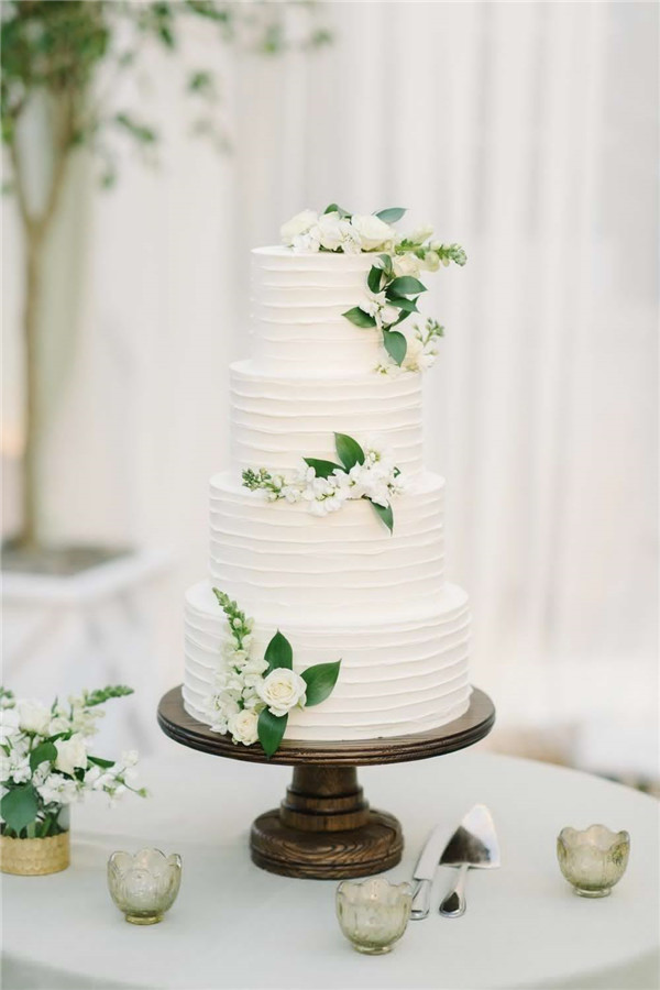 Buttercream Wedding Cakes To Stand Out