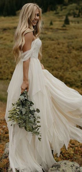 Fall in Love with These Glamorous Bohemian Wedding Dresses