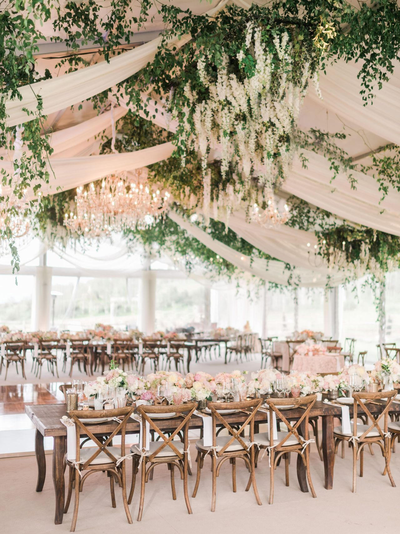 Gorgeous yet Budget-friendly Floral Wedding Decorations