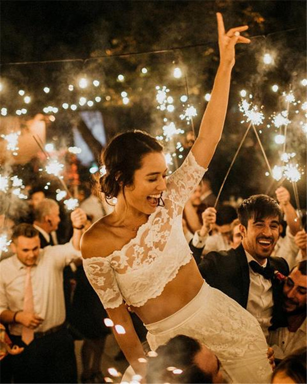 Wedding Sparkler Ideas to Light up Your Day